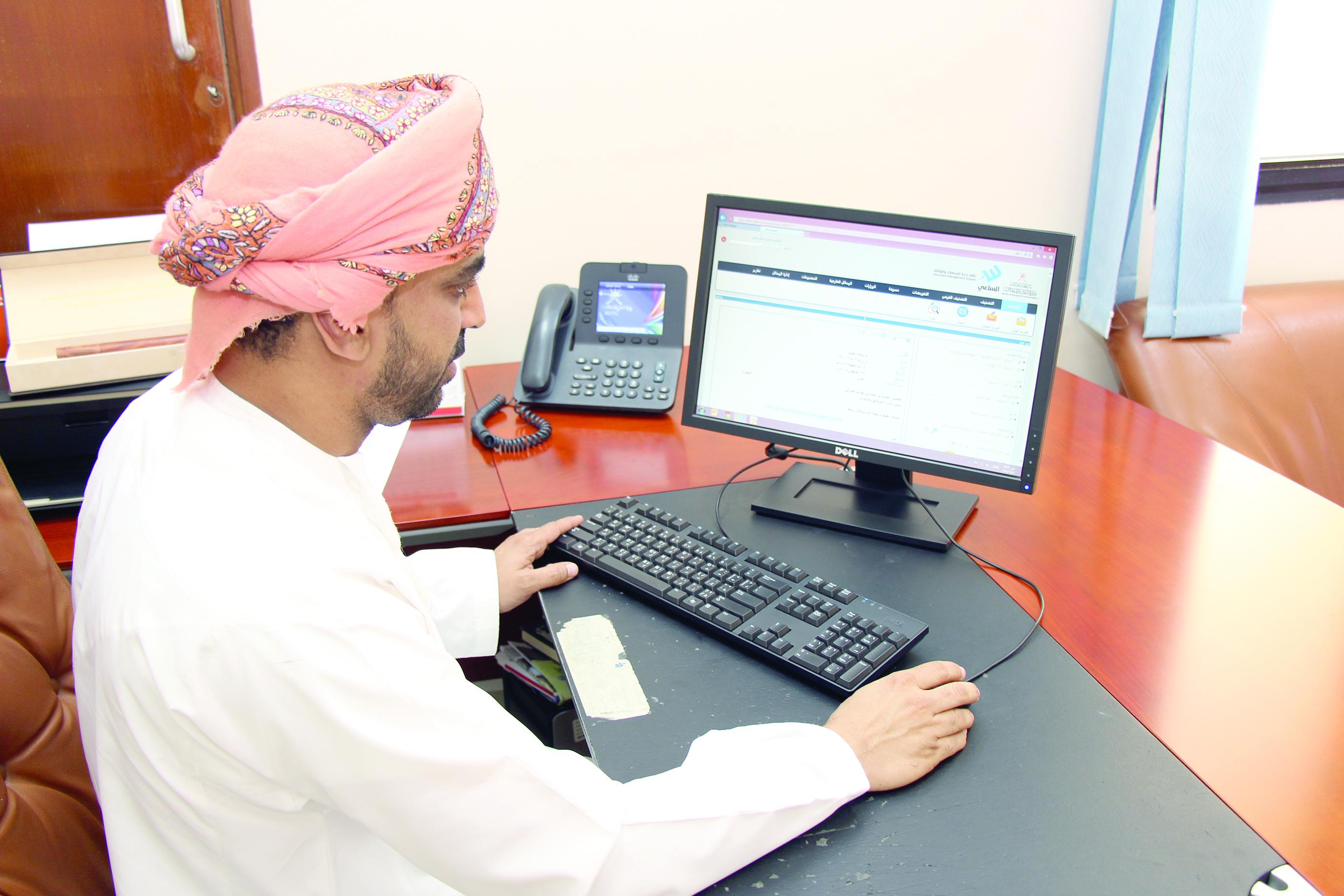 تبادل 1.5 مليون رسالة إلكترونية في «النقل والاتصالات»