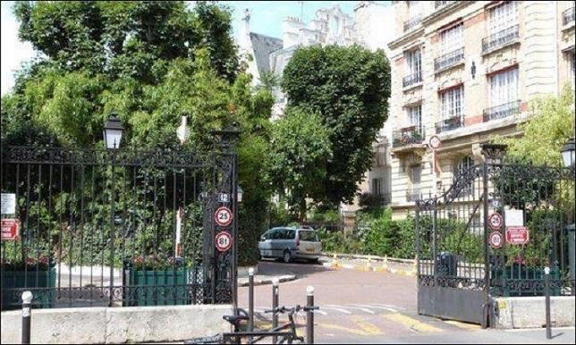 شاهد بالصور فخامة منزل ليونيل ميسي في العاصمة الفرنسية باريس
