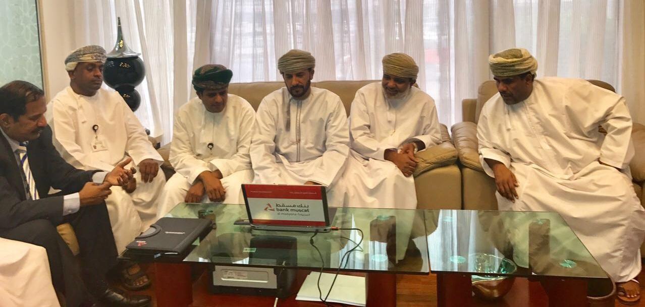 Bank Muscat celebrates al Mazyona weekly prize draw in Salalah