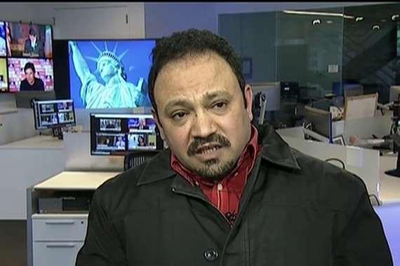 """محلل سياسي في الفضائيات المصرية مهنته الأصلية """"صانع سندويشات"""""""