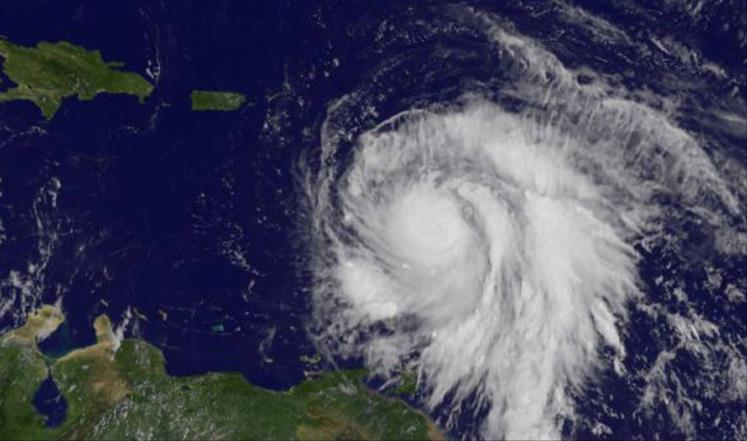 """اعصار """"ماريا"""" يدمر جميع شبكات الكهرباء في بورتوريكو"""