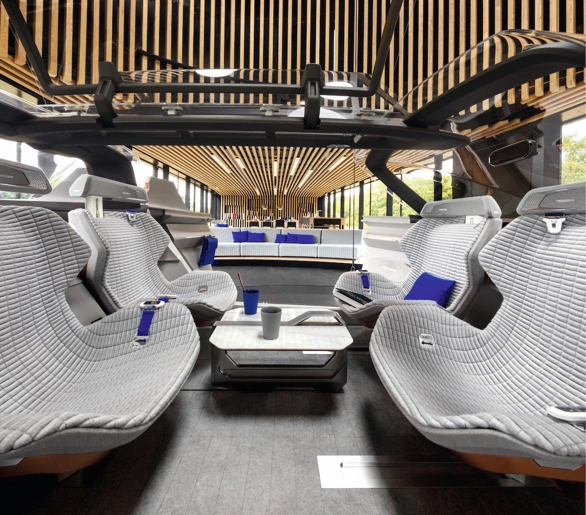 بالصور .. شركات عالمية تتسابق لإطلاق أول سيارة ذاتية القيادة