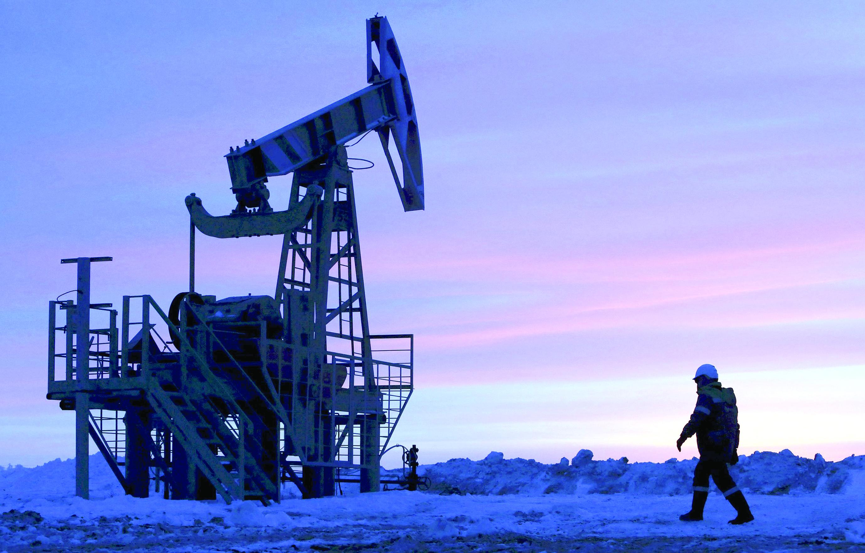 «ضبابية المعطيات» تسيطر على مستقبل أسعار النفط