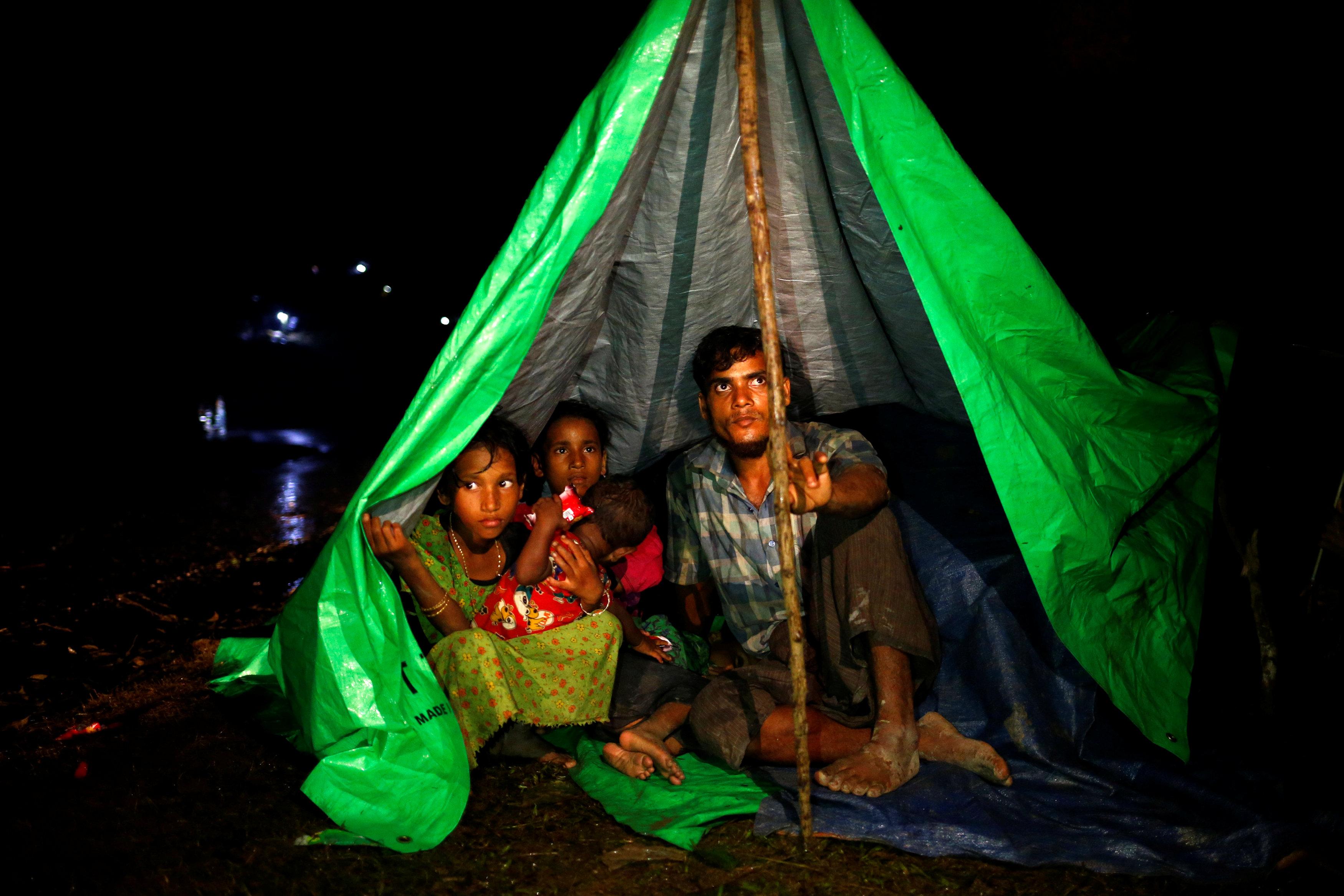 Nearly 90,000 Rohingya flee to Bangladesh from Myanmar