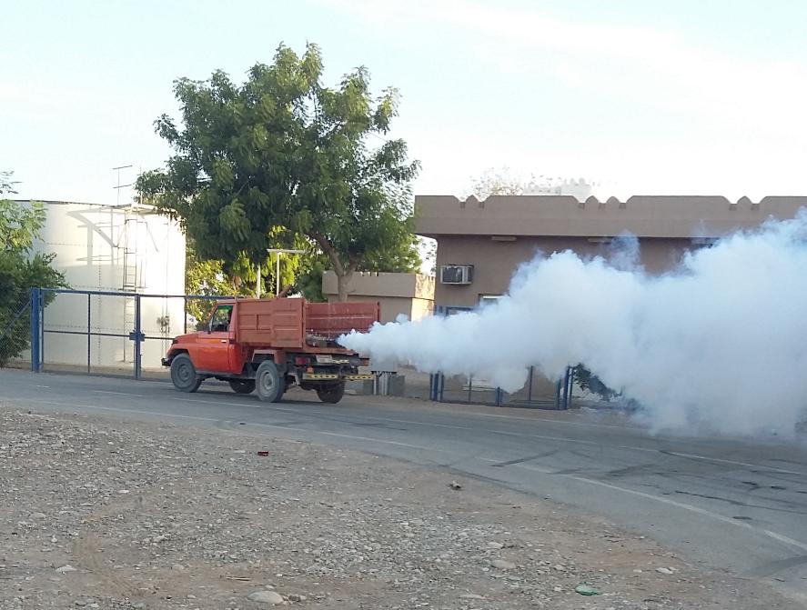 حملة رش بالمبيدات الحشرية في الخابورة