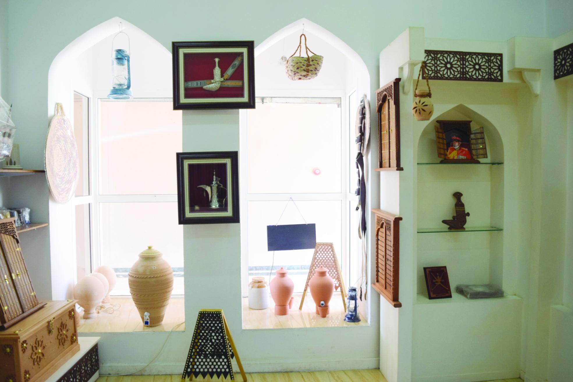 يضم أكثر من 350 منتجًا حرفيًا..البيت الحرفي العُماني بولاية صحار نافذة تسويقية للمنتجات الحرفية في السلطنة