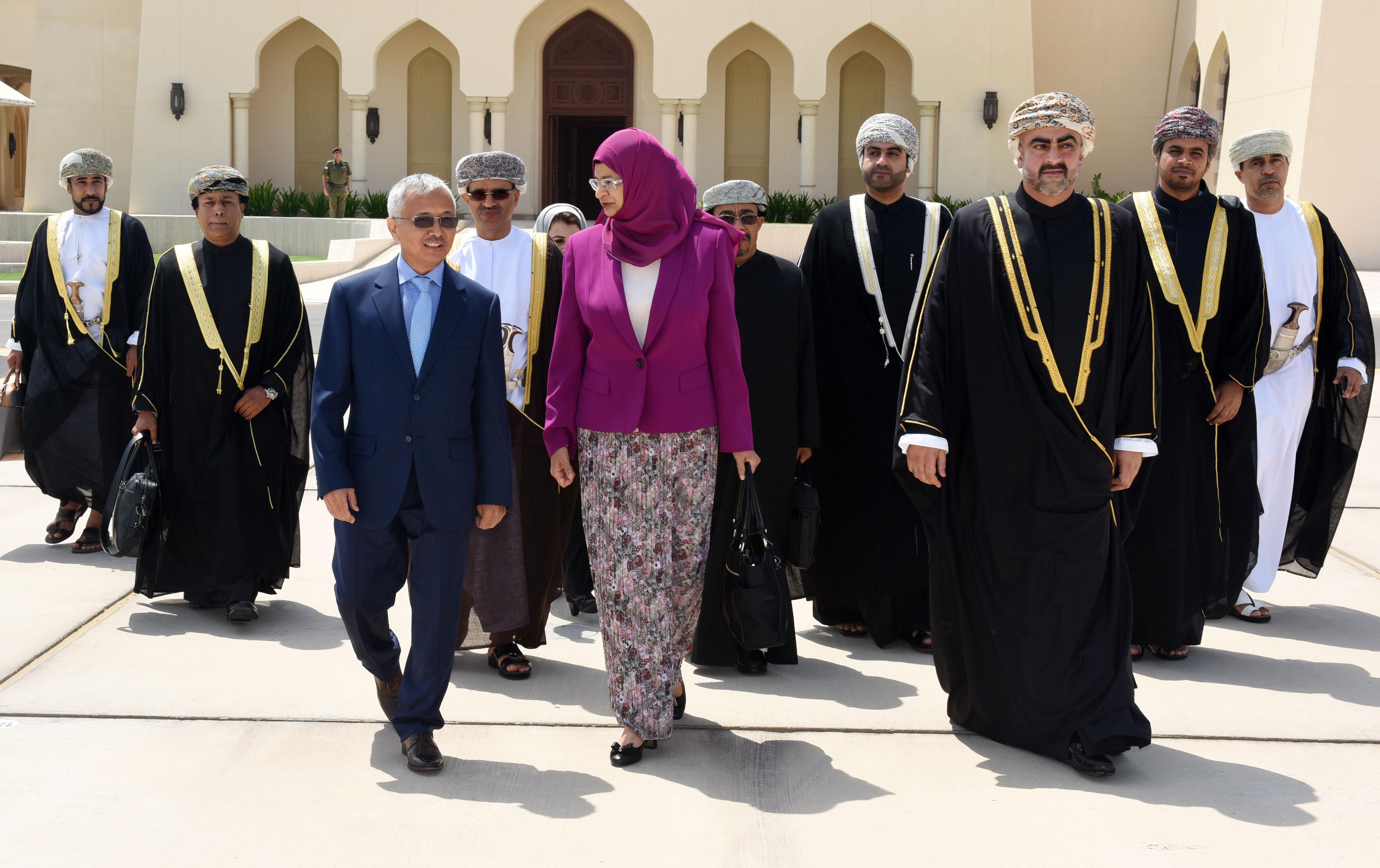 بتكليف من المقام السامي وزيرة التعليم العالي تشارك في القمة الأولى لمنظمة التعاون الإسلامي في العلوم والتكنولوجيا