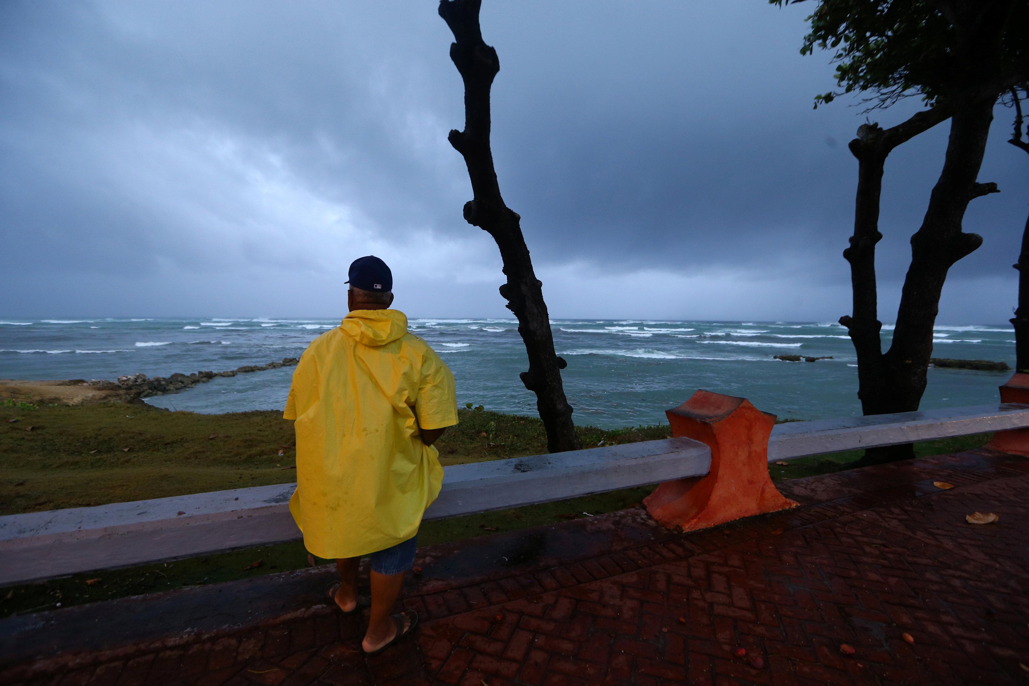 الإعصار إرما يقتل 10 وقد يضرب فلوريدا يوم الأحد