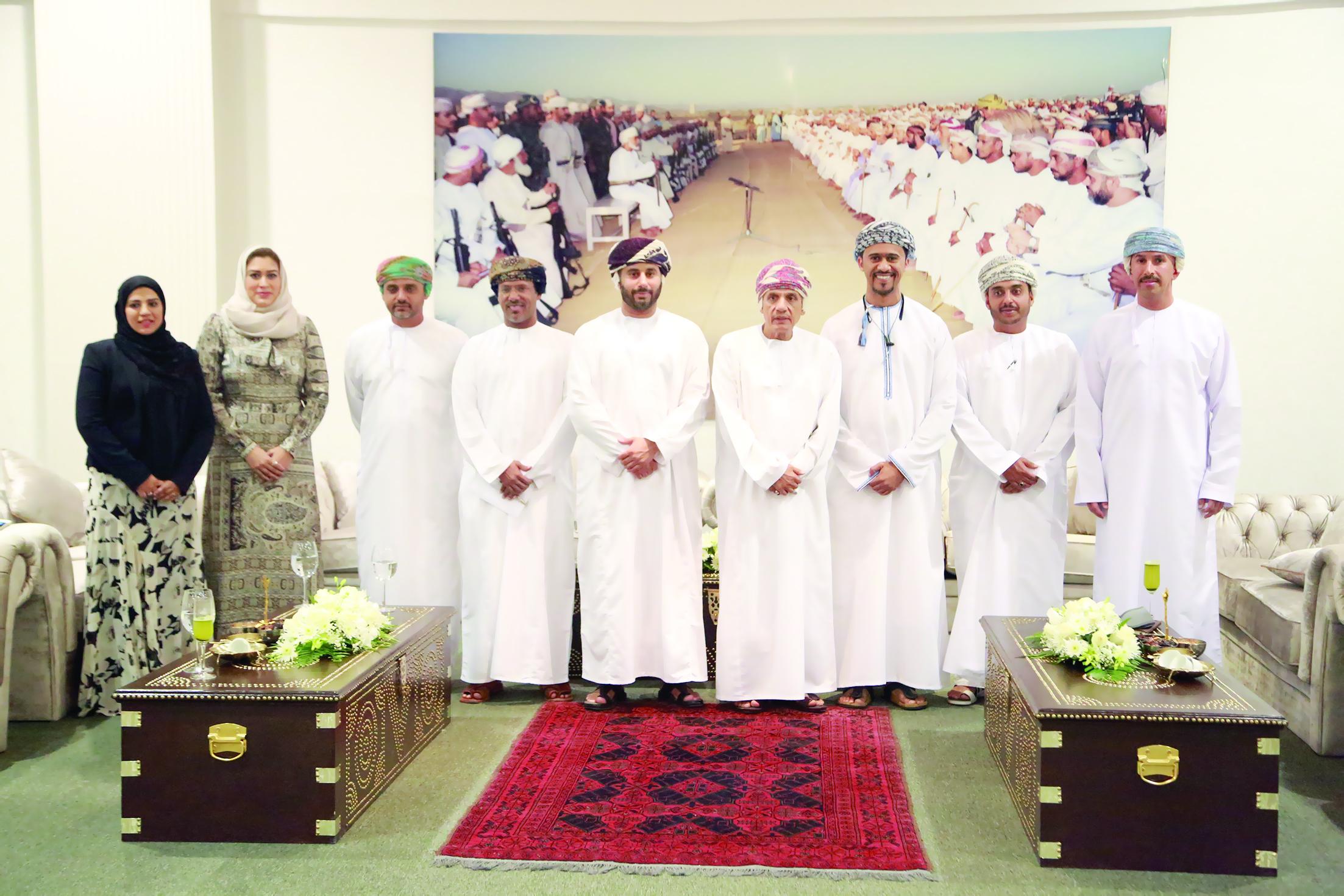 د.أدهم بن تركي آل سعيد رئيسًا لمجلس أمناء كلية مسقط
