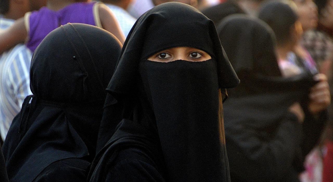 بدء تطبيق قانون حظر ارتداء النقاب في النمسا