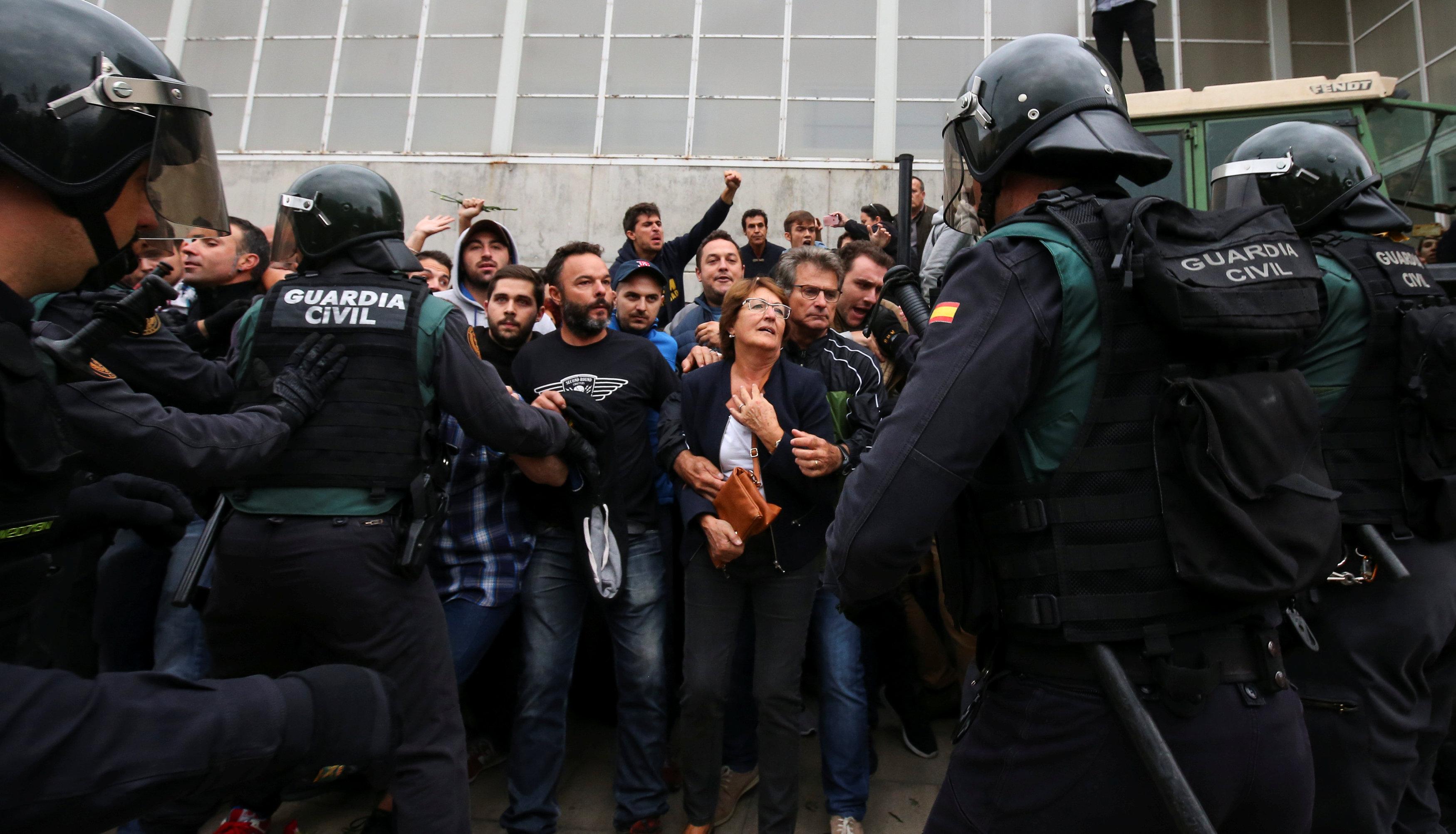 هل يتجه الكتالونيون إلى مراكز الاقتراع الإلكترونية؟