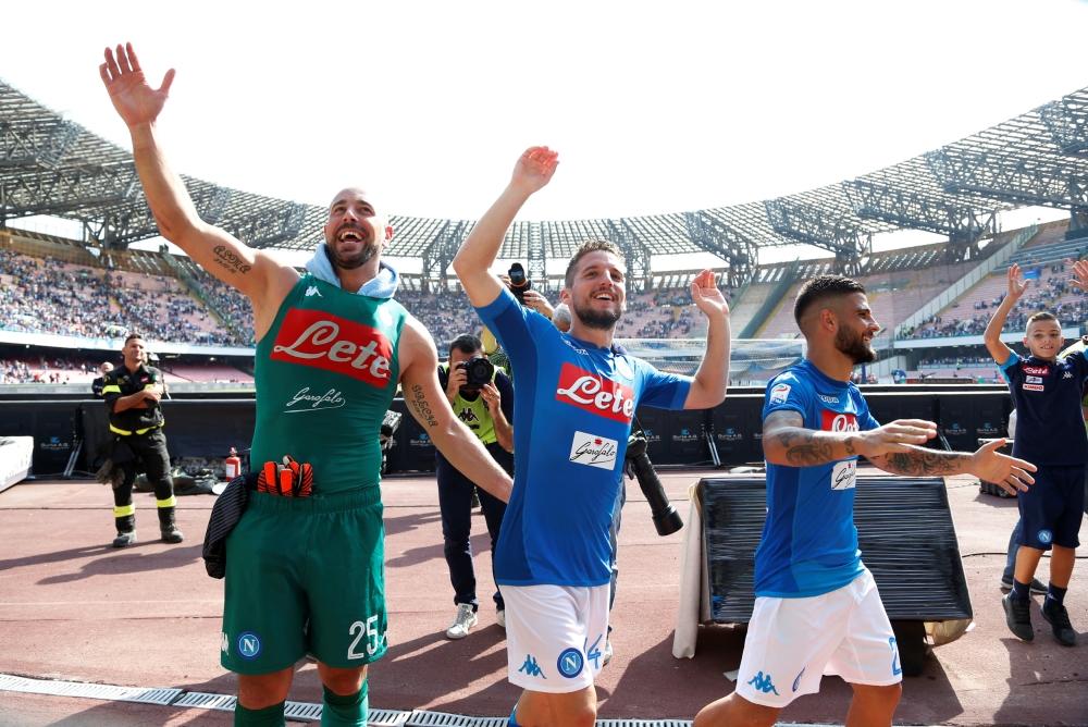 نابولي يعزز ريادته بفوز سابع تواليا وروما يسقط ميلان