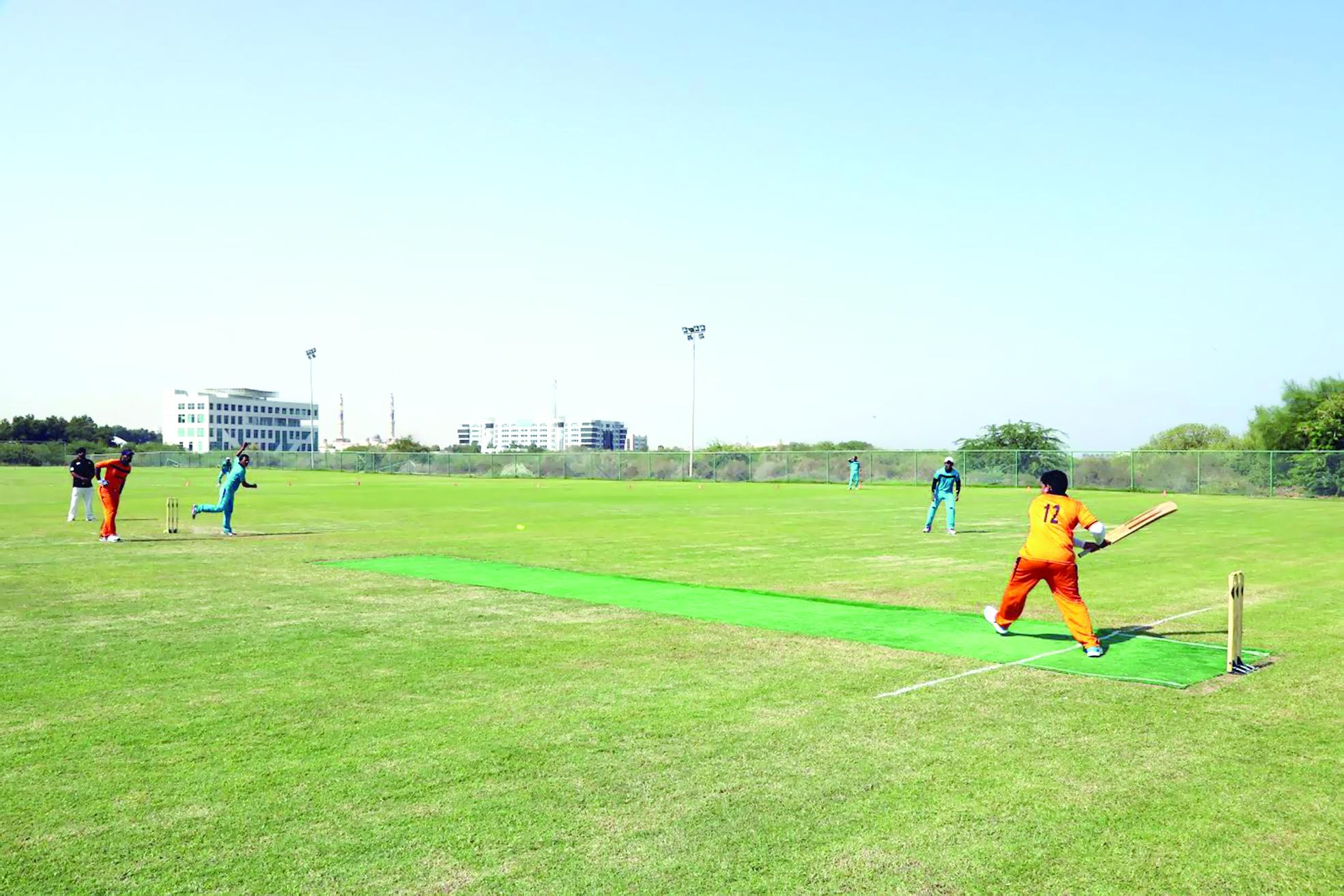 8 فرق تحسم تأهلها لنصفنهائي بطولة بلدية مسقط للكريكت