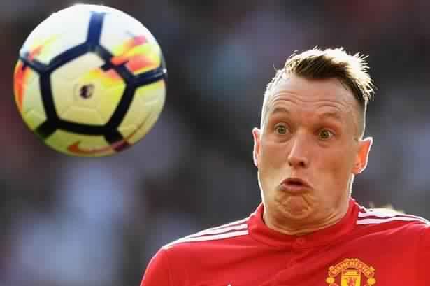 مانشستر يونايتد يكافئ جونز بـ150 ألف إسترليني أسبوعيا