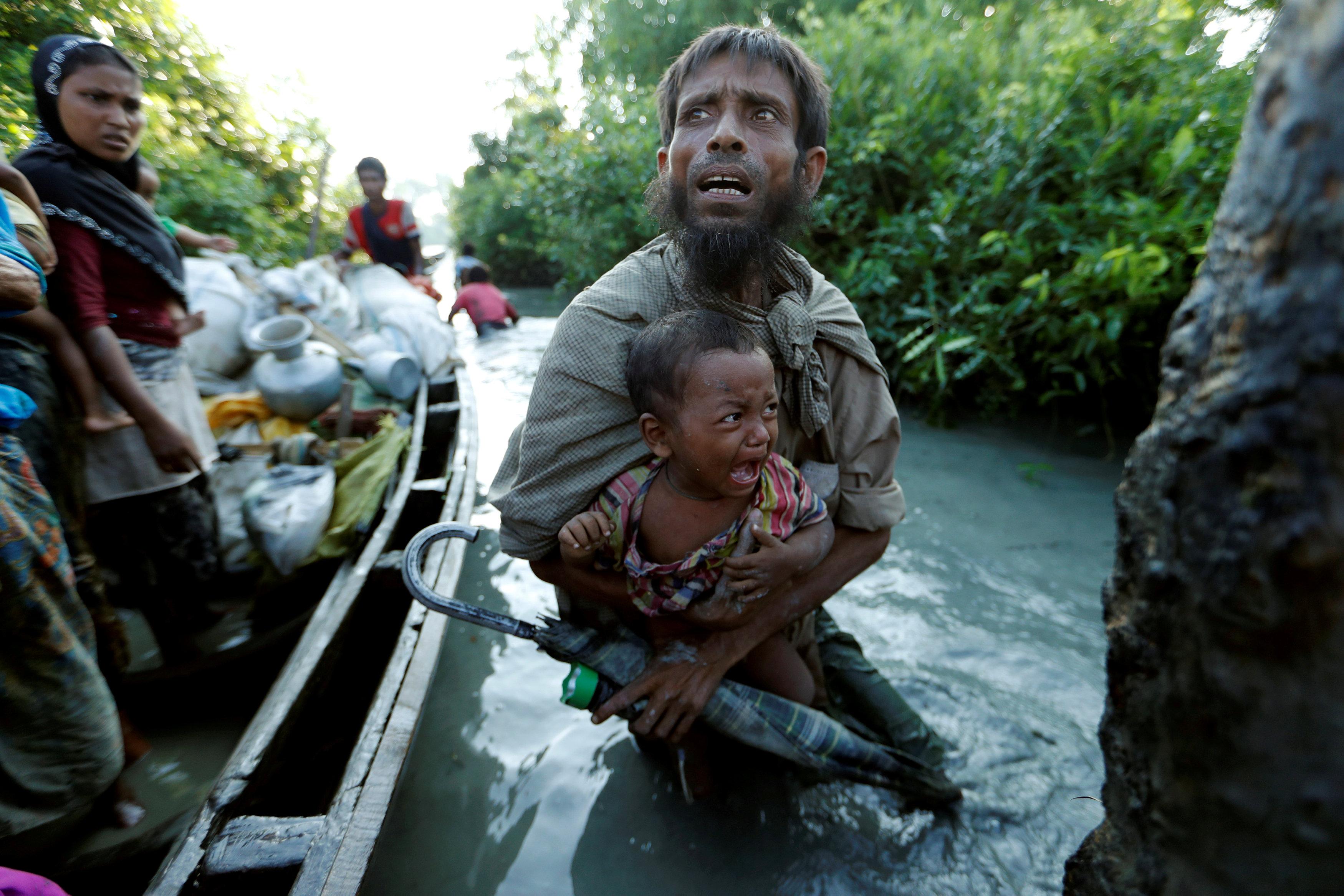 More Myanmar Rohingya refugees flee violence, hunger, cross border into Bangladesh