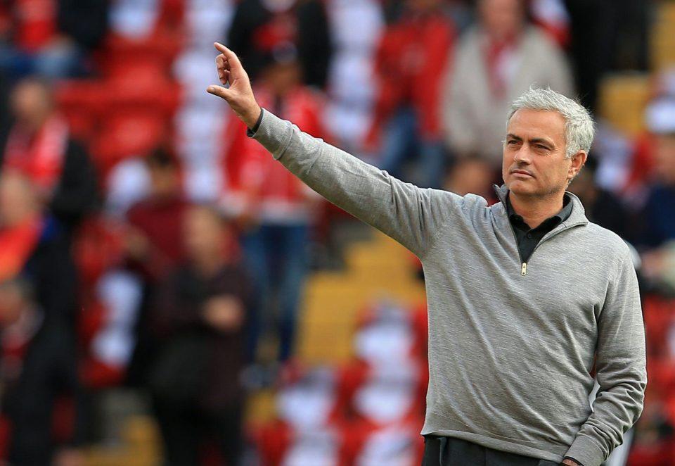 مورينيو يكشف عن وجهته المقبلة بعد مانشستر يونايتد