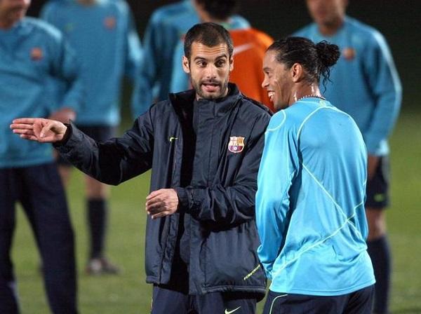 رونالدينيو يكشف السبب الحقيقي وراء رحيله عن برشلونة