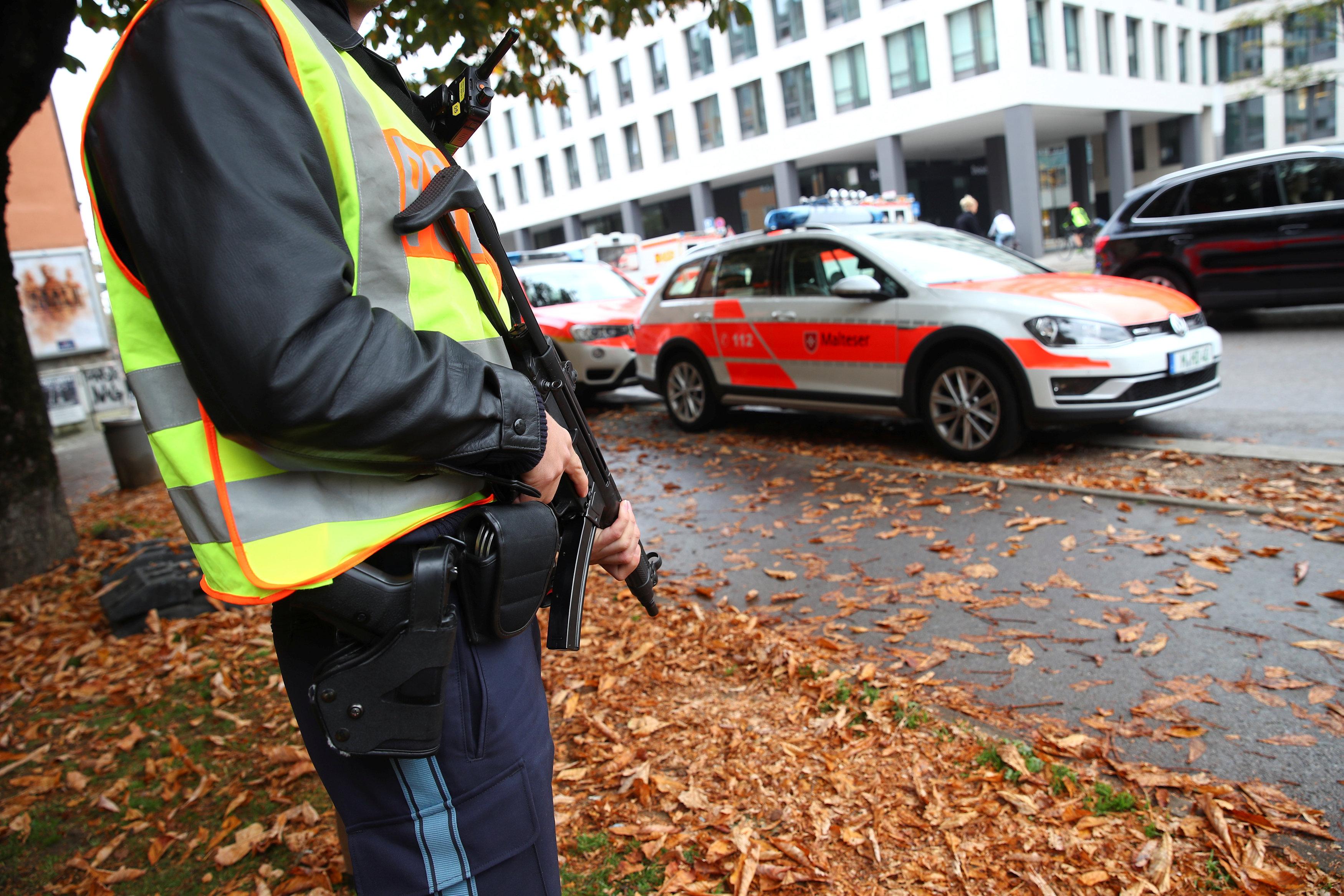 German police detain suspect in Munich knife attack