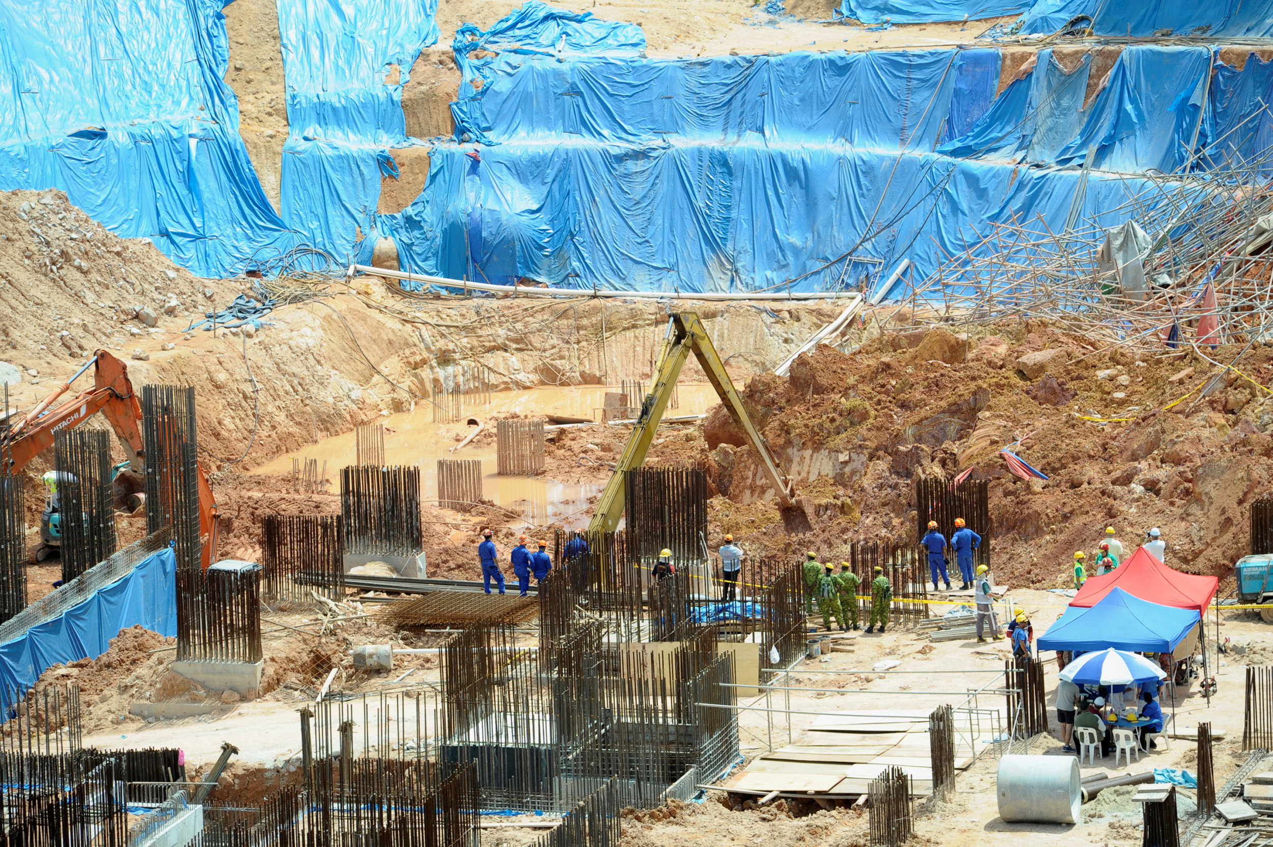 Four foreign workers dead after landslide at construction site in Malaysia
