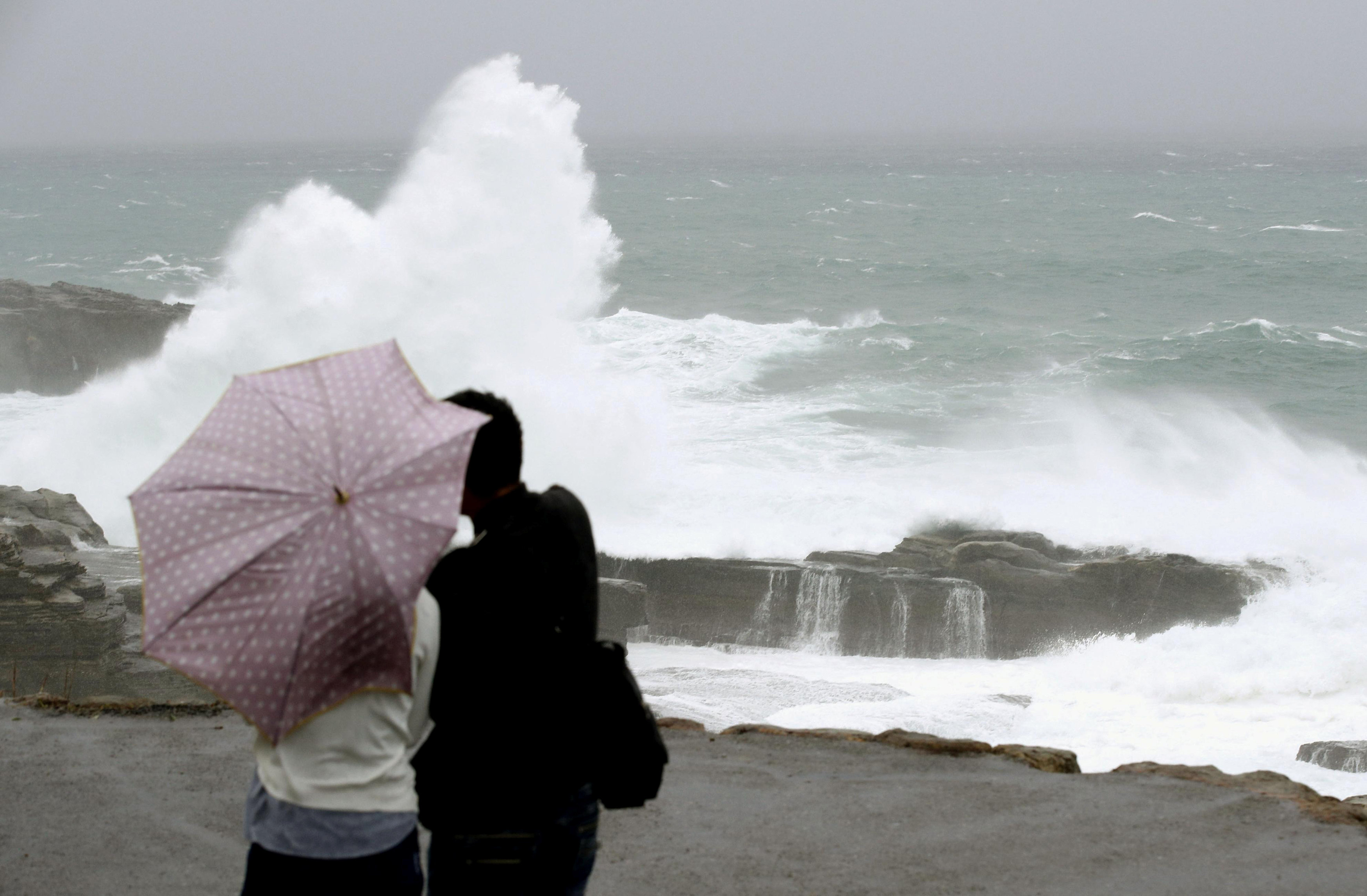 Typhoon Lan drenches Japan, tens of thousands advised to evacuate