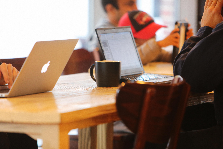 Life skills: 7 ways to get through boring work days