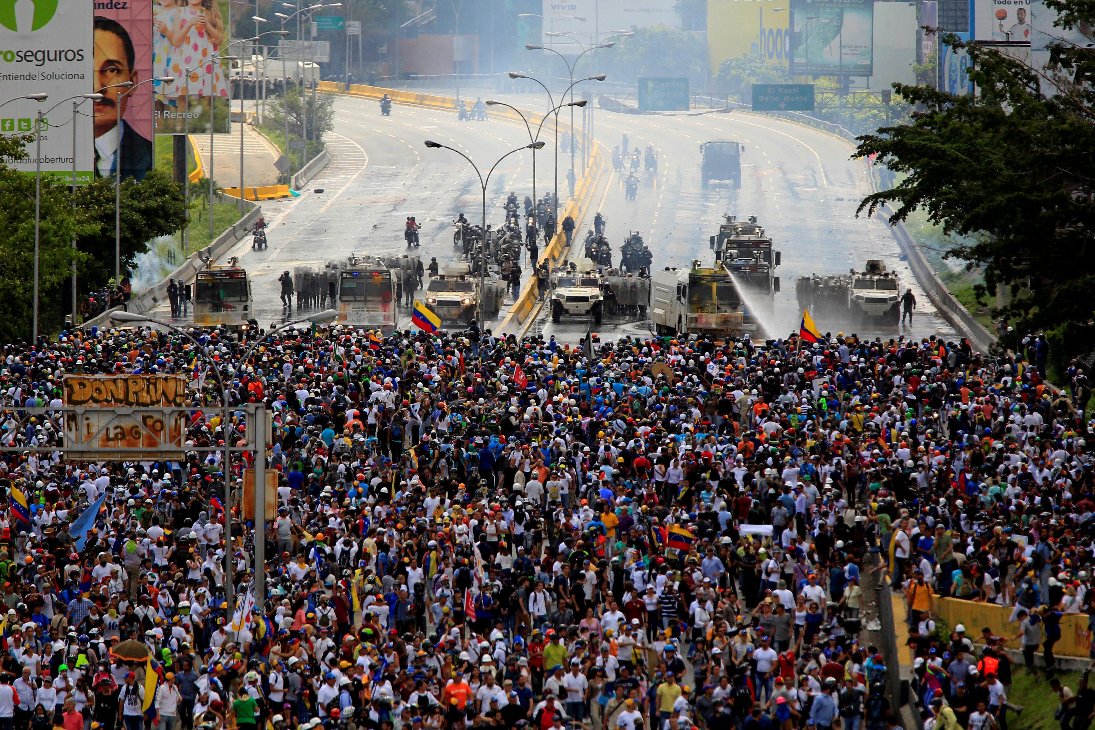 Venezuelan opposition disarray heaps pain on protesters