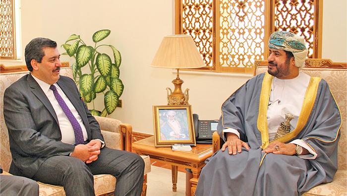 Oman's civil service minister receives Jordanian official