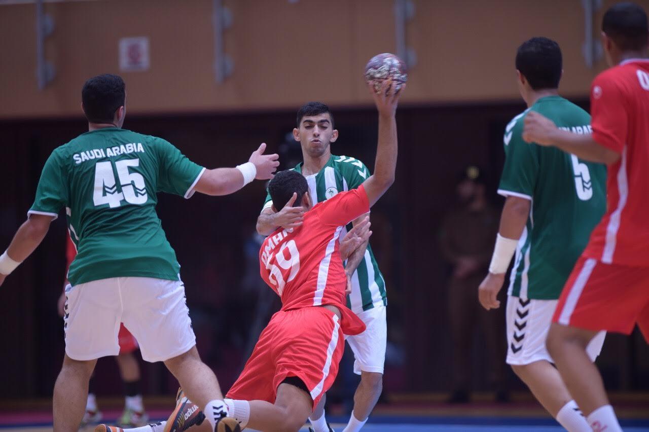 منتخبنا لناشئي اليد يحرج نظيره السعودي في البطولة العربية