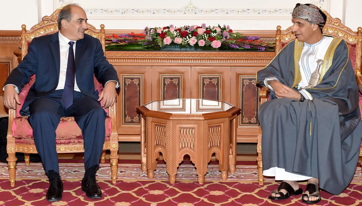نيابة عن جلالة السلطان.. السيد فهد يستقبل رئيس مجلس النواب القبرصي