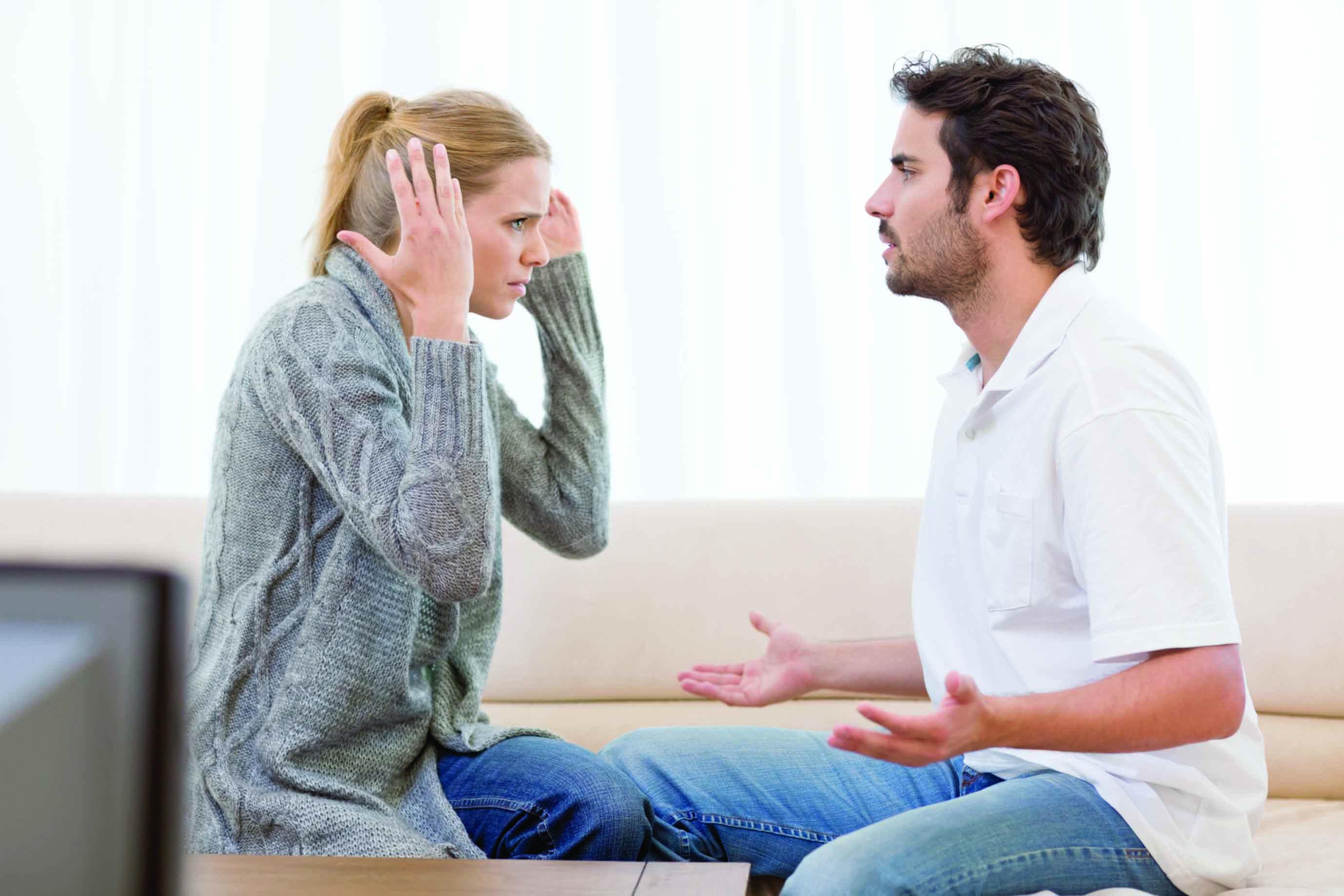 دراسة: الهواتف الذكية سبب المشكلات الزوجية