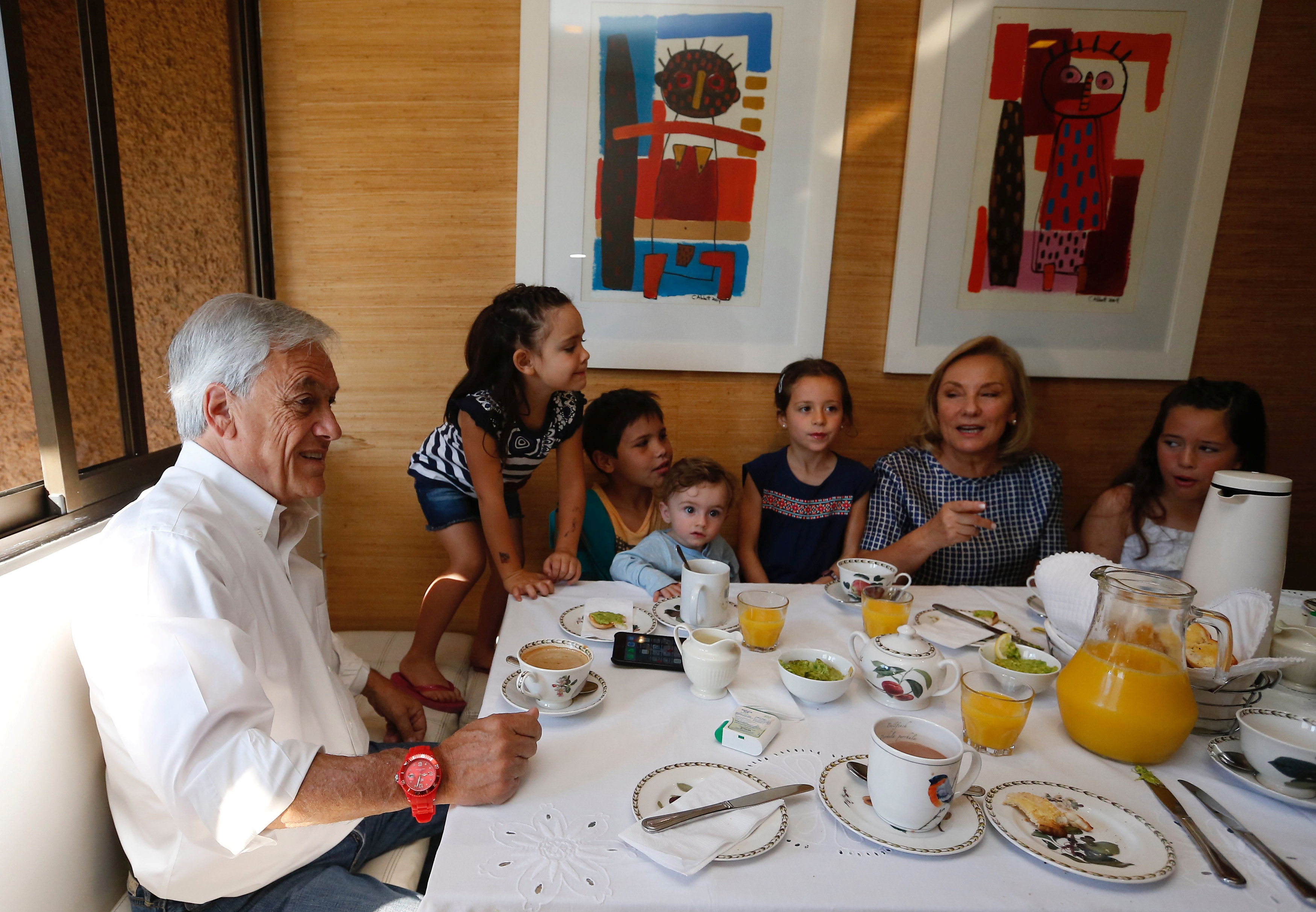 Former leader Pinera seen as favourite as Chileans vote for president