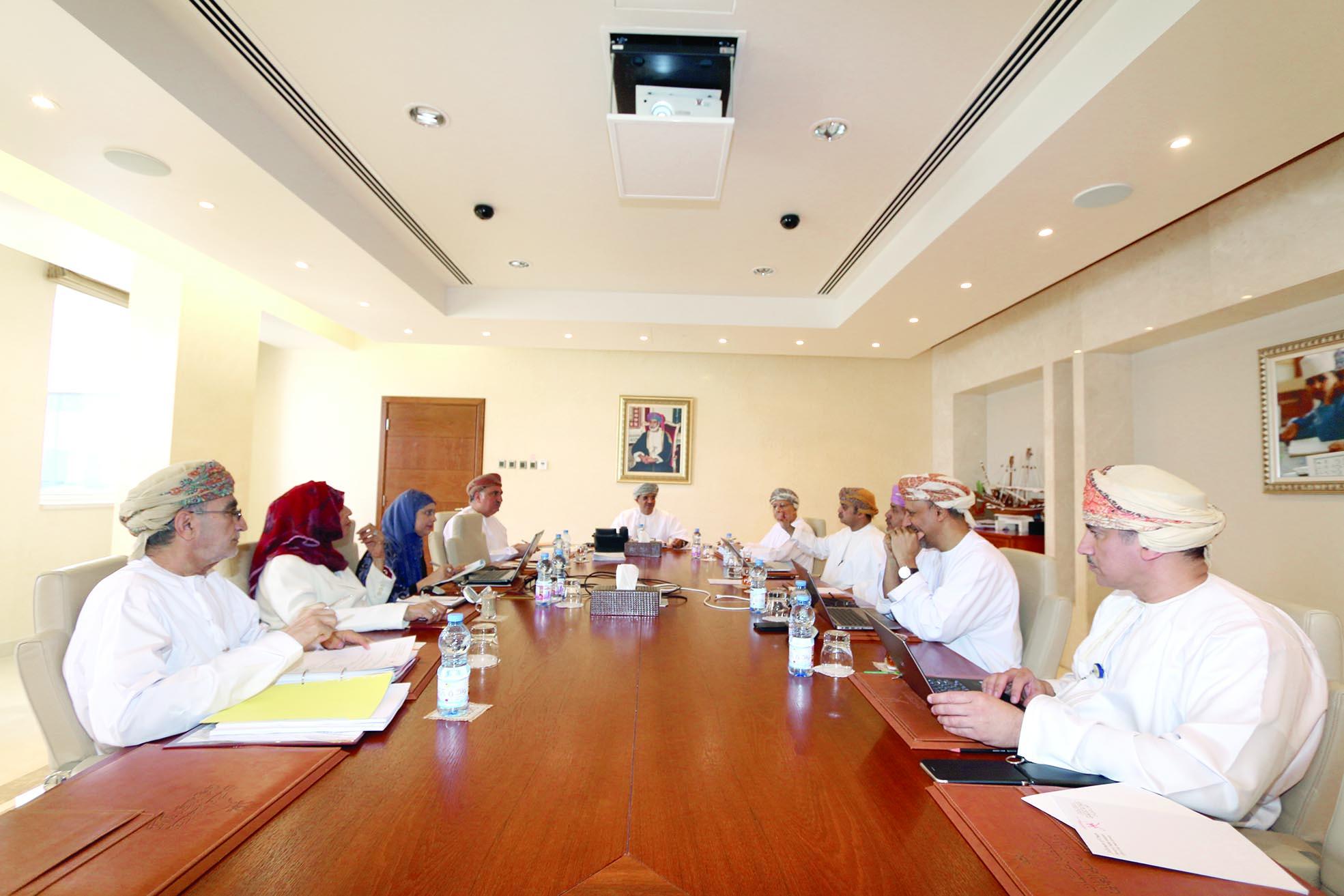 «الاعتماد الأكاديمي»تناقش لائحة شؤون الموظفين