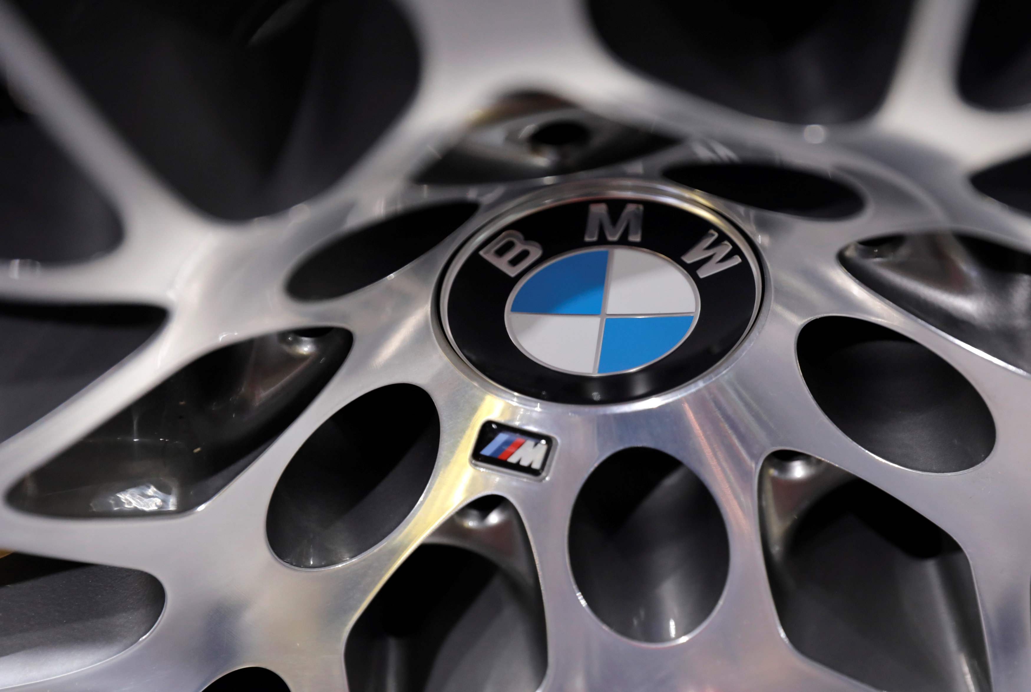 BMW looking for partners to develop electric small cars