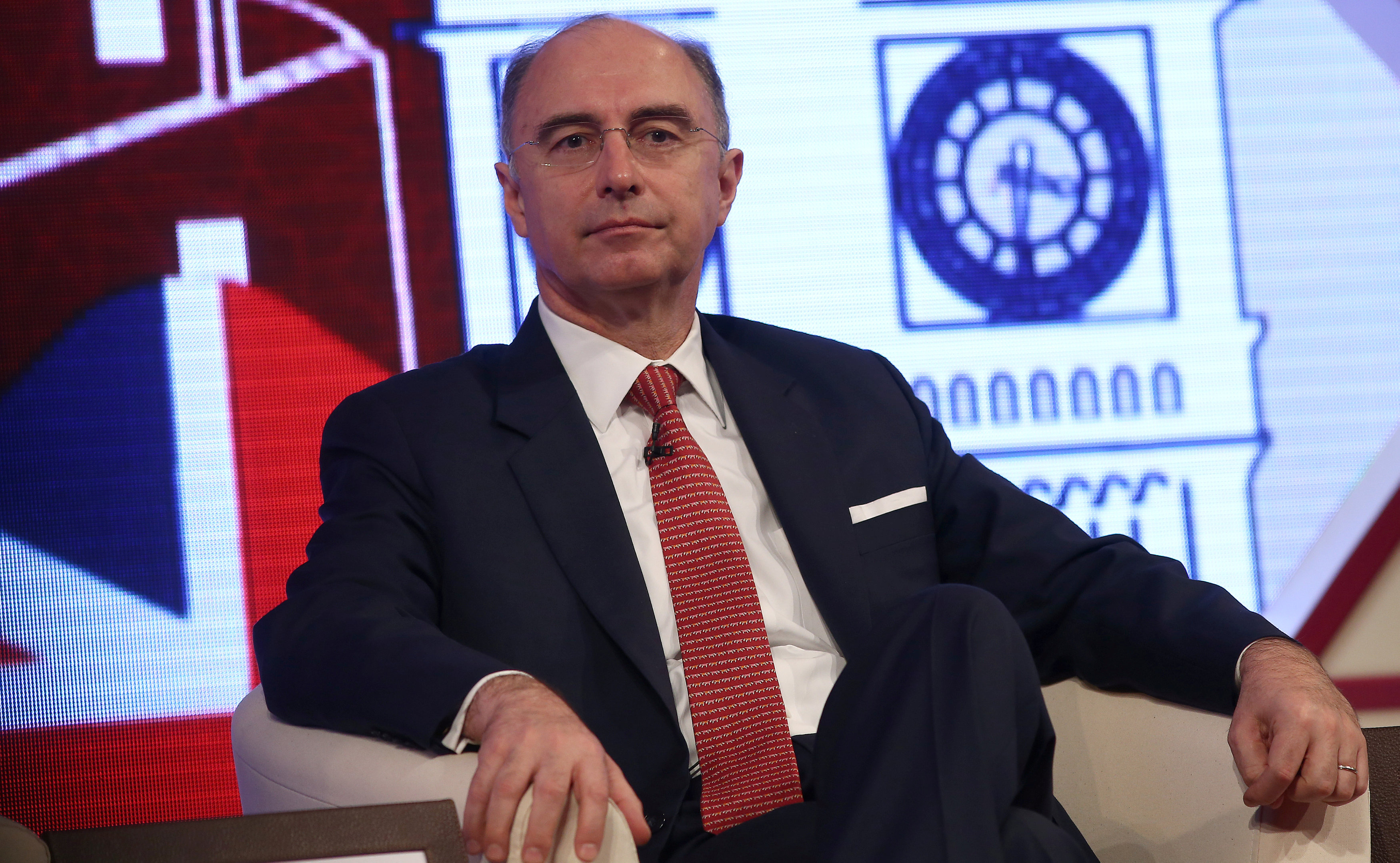 London Stock Exchange CEO Rolet steps down