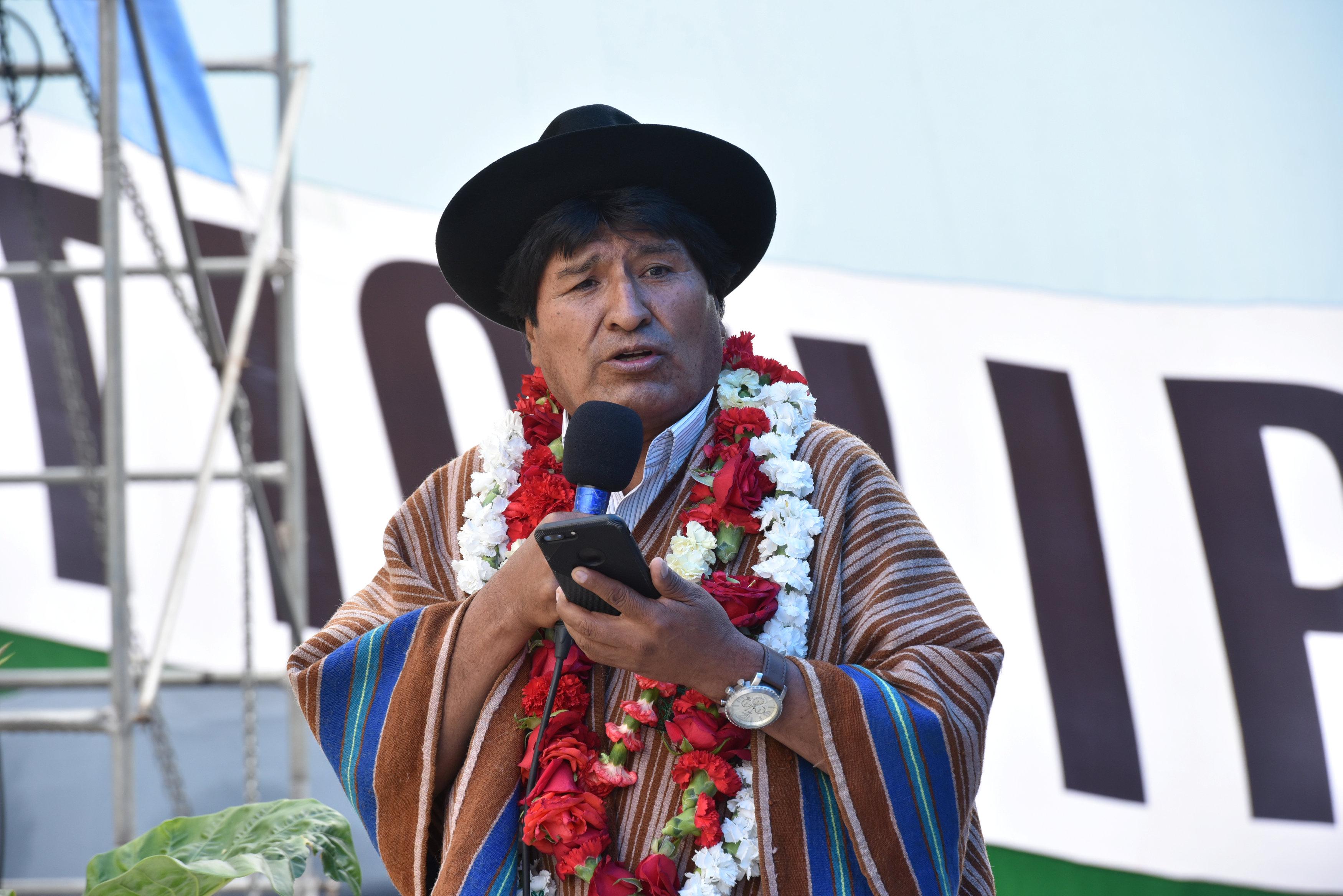 Bolvia's president authorised to run for fourth term