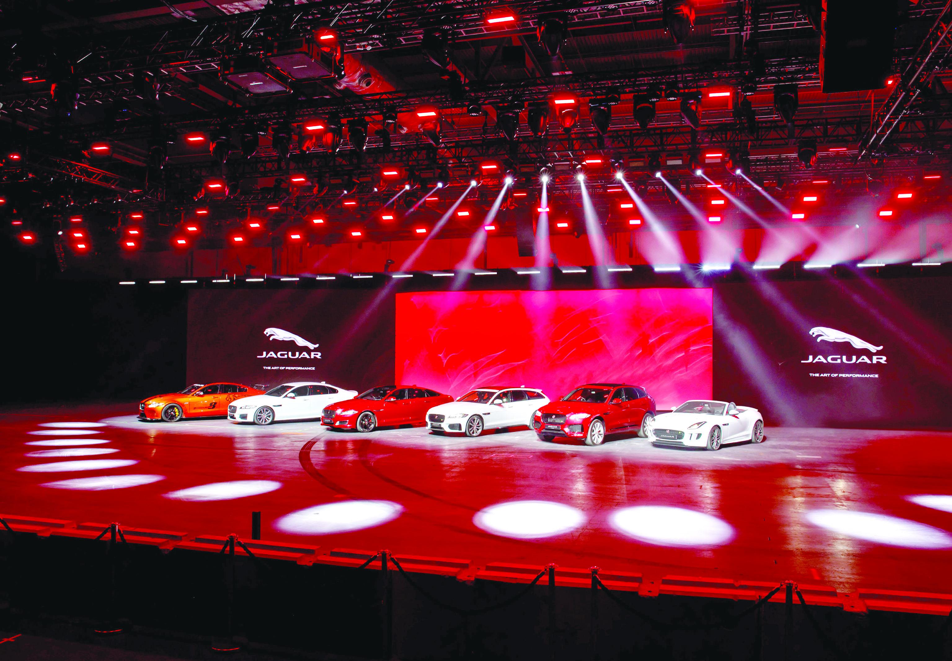 «جاكوار» تستعرض 6 سيارات جديدة