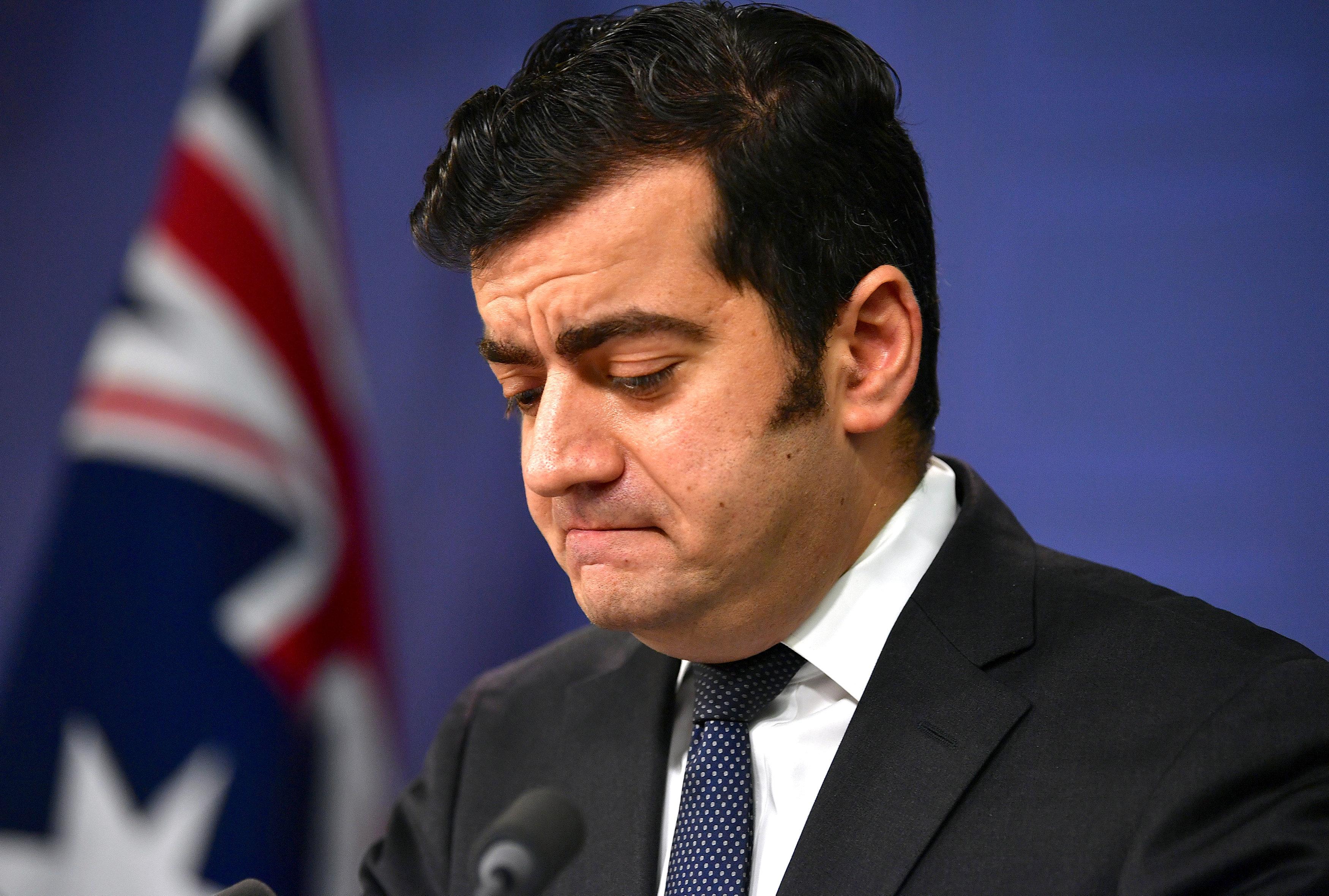 Australian opposition senator quits over China links