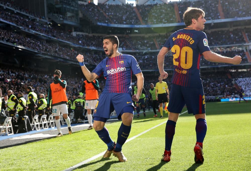 برشلونة يصعق ريال مدريد بثلاثية نظيفة في عقر داره