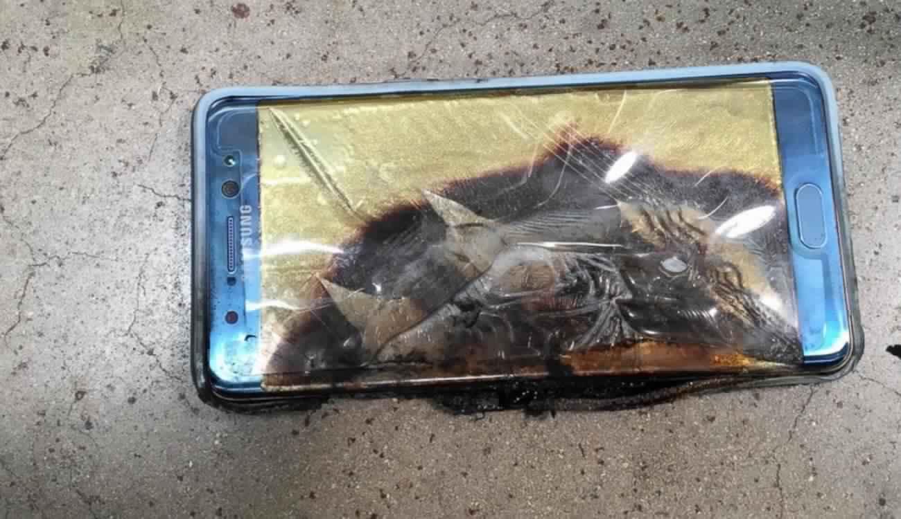 احذر التحميل.. برامج خبيثة تؤدي لانفجار هاتفك!