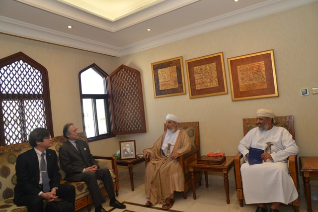 Minister receives Japanese dignitaries