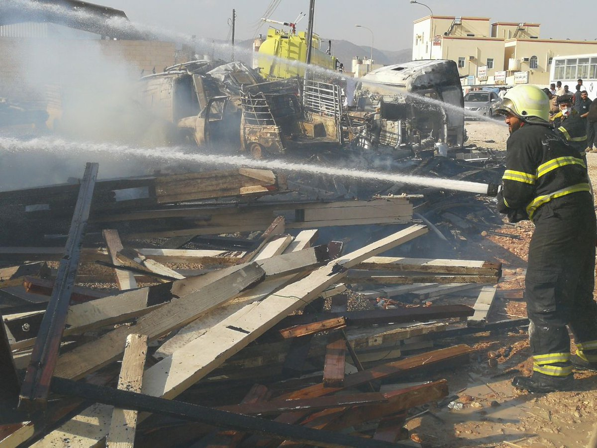 Firefighters tackle blaze in Dhofar