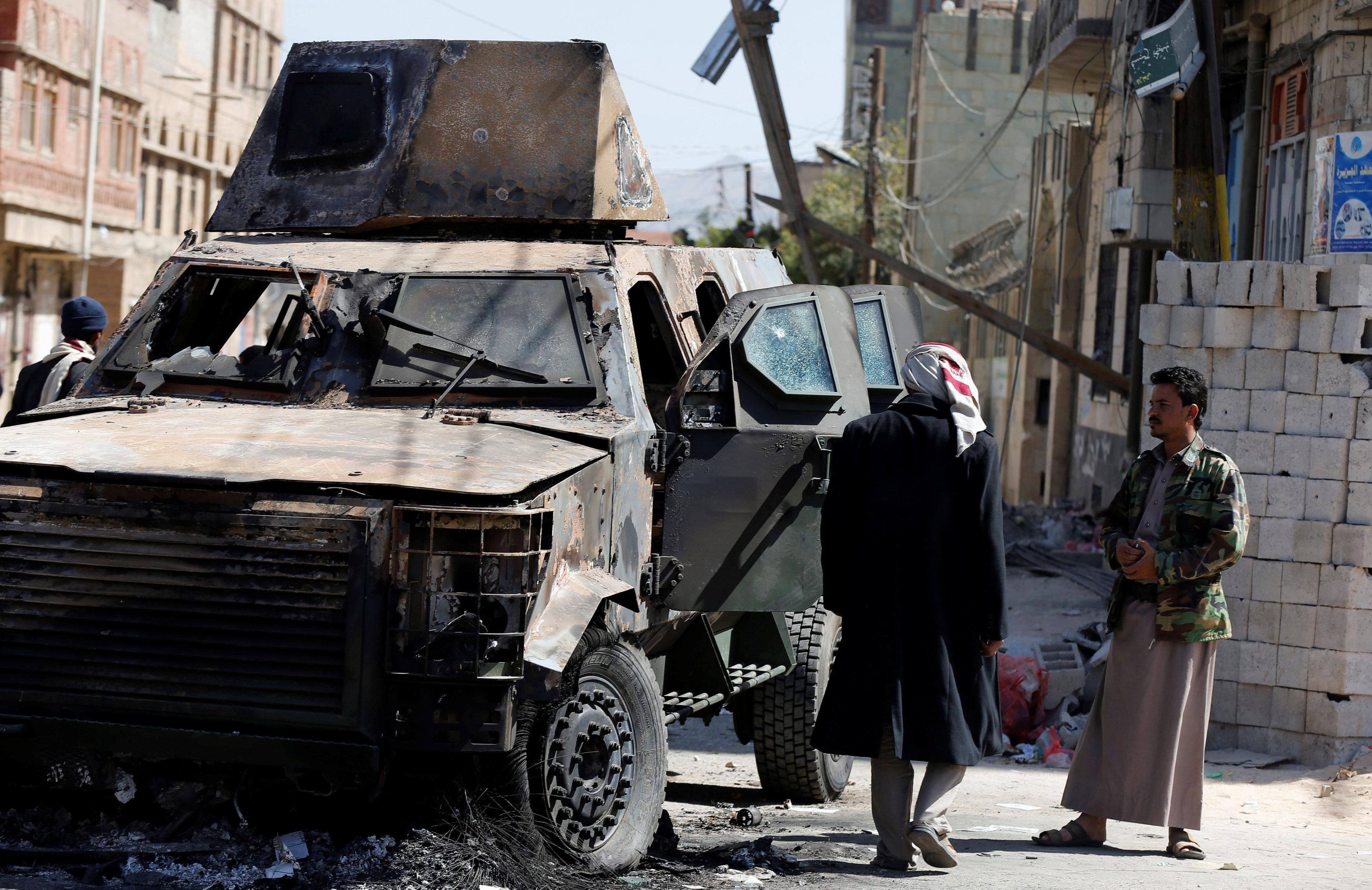 Yemen's Houthi rebels tighten grip on Sanaa
