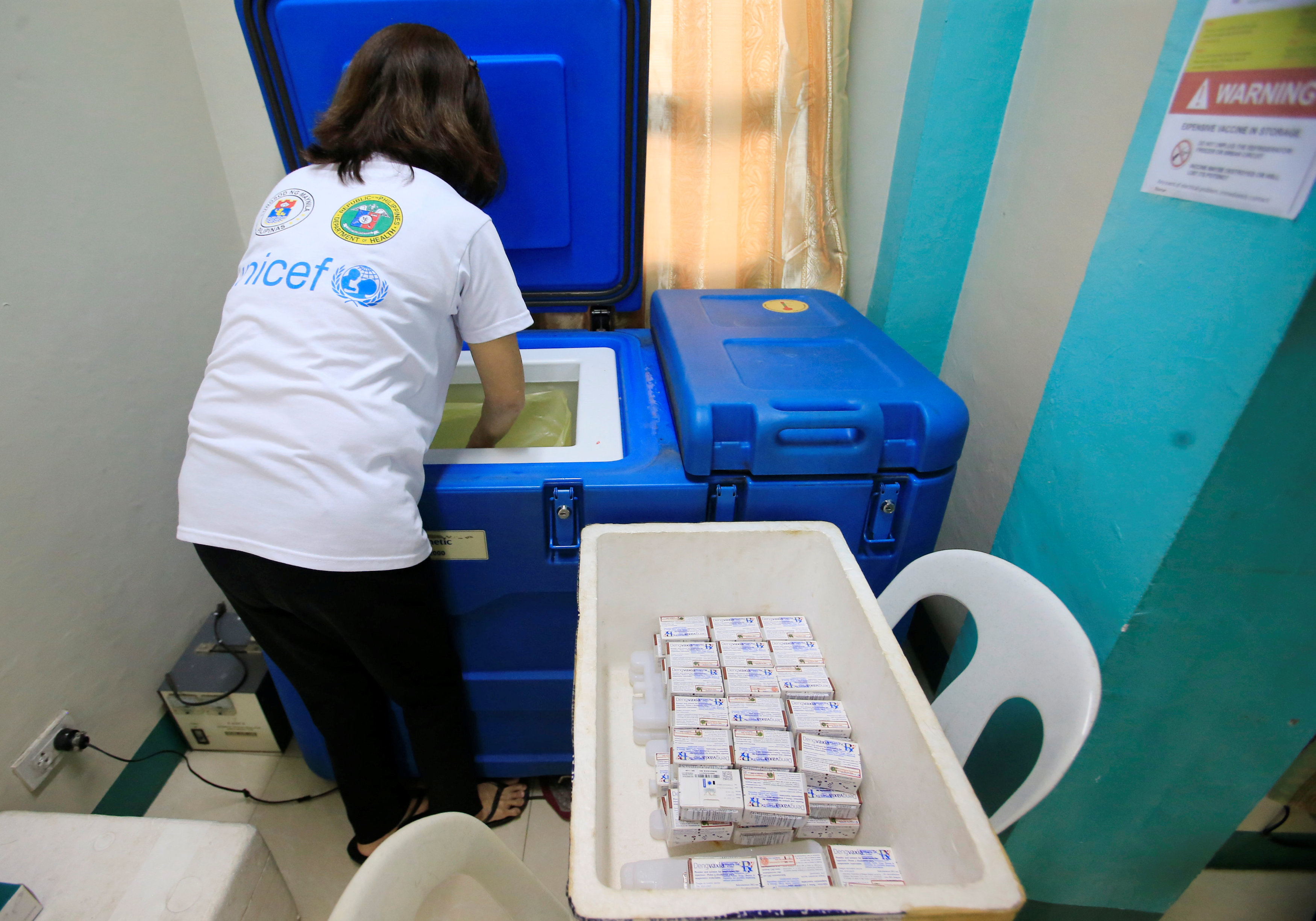 Philippines suspends sale of Sanofi's dengue vaccine