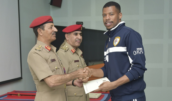 Armed Forces honour Oman's Gulf Cup winners