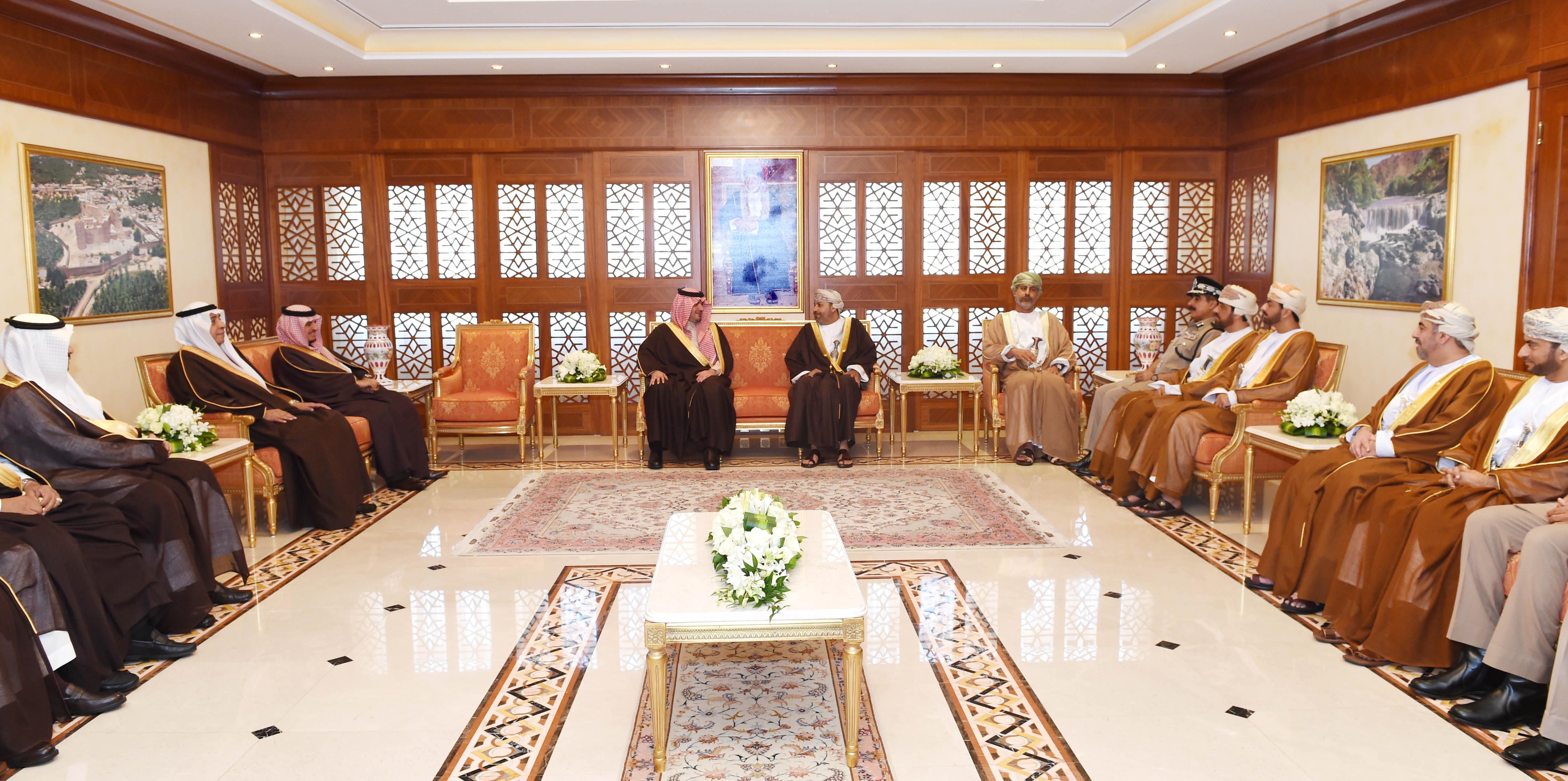 جلسة مباحثات رسمية بين السلطنة والسعودية