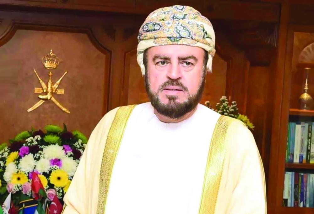 أسعد بن طارق يستقبل وزير الداخلية بالمملكة العربية السعودية