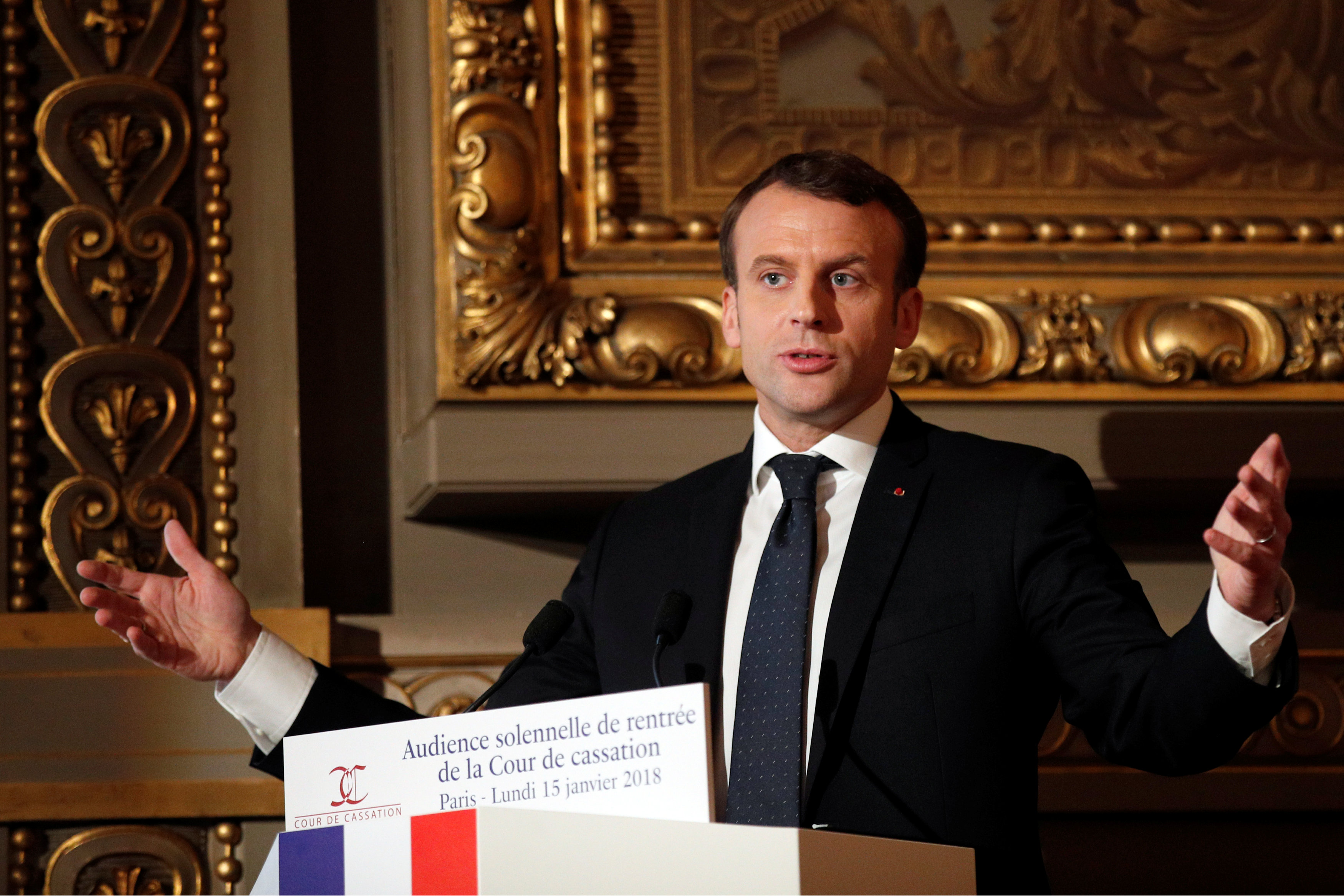 France expects Britain to pay up, take more refugees