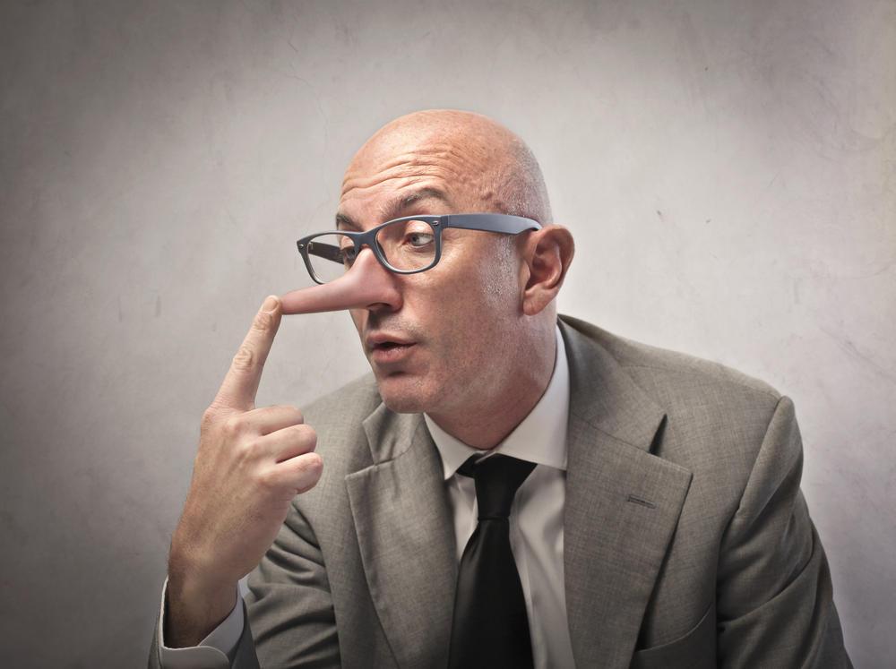من يكذب أكثر الرجال أم النساء؟ دراسة تجيب