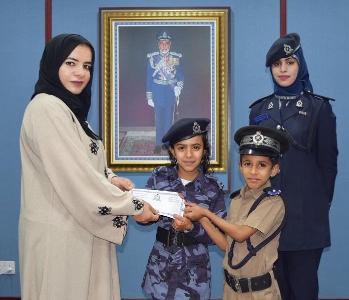 شرطة عمان السلطانية تحقق حلم طفلين