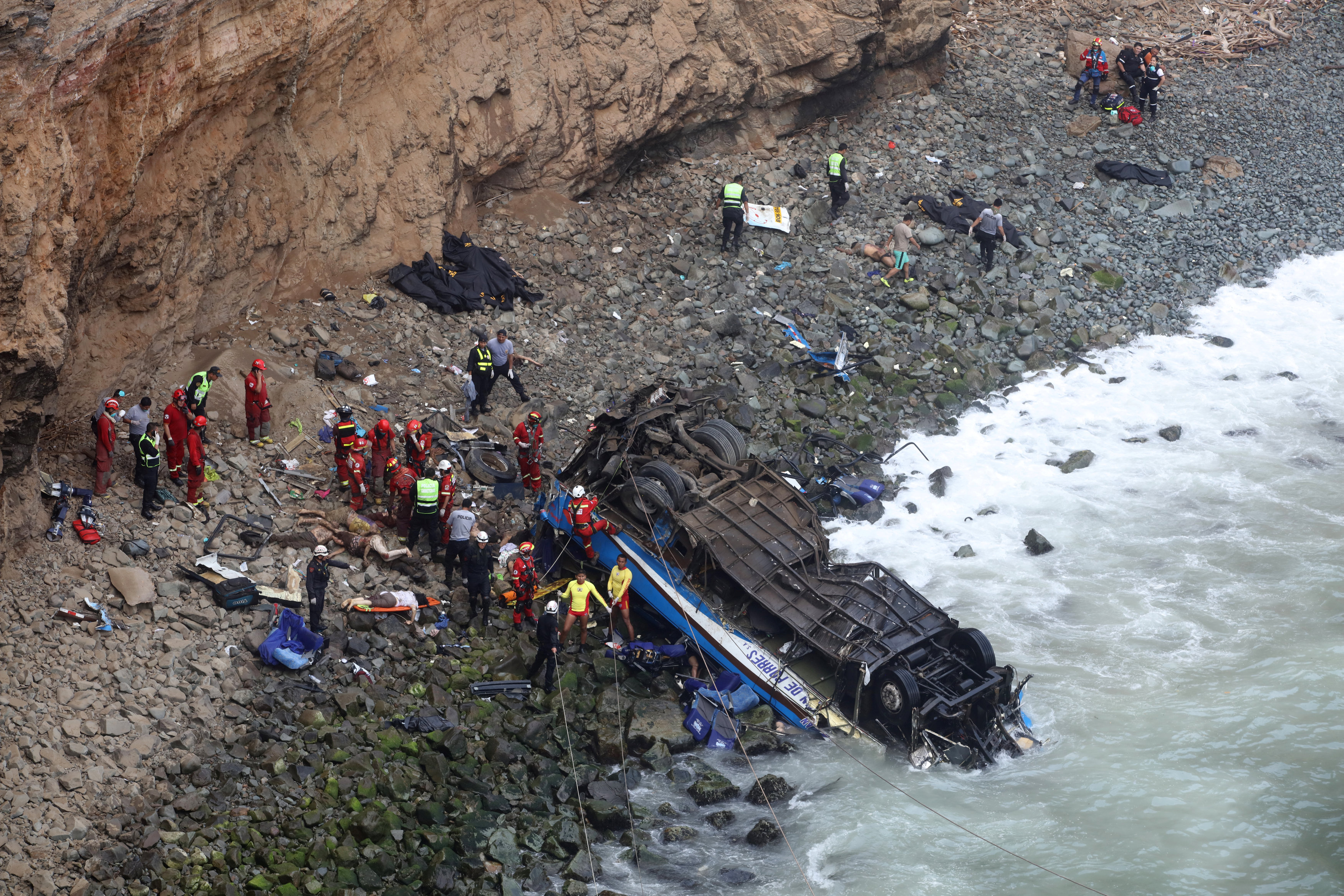 48 killed as bus careens off cliff in Peru